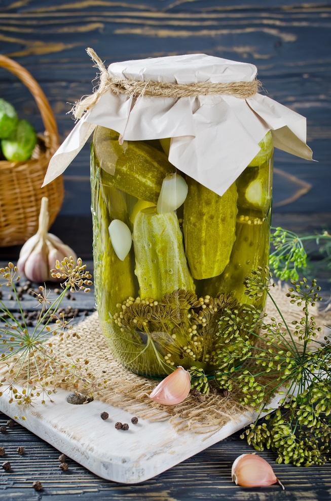 przepis na tradycyjne ogorki kiszone